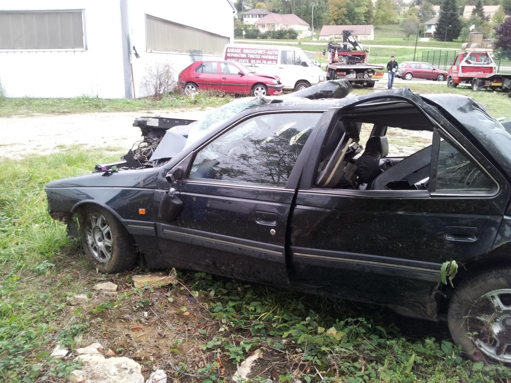 Accident grave avec Peugeot 405 STDT 58907120111012155025