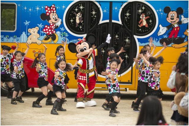 [Tokyo Disney Resort] Programme complet du divertissement à Tokyo Disneyland et Tokyo DisneySea du 15 avril 2018 au 25 mars 2019. 589833sf2
