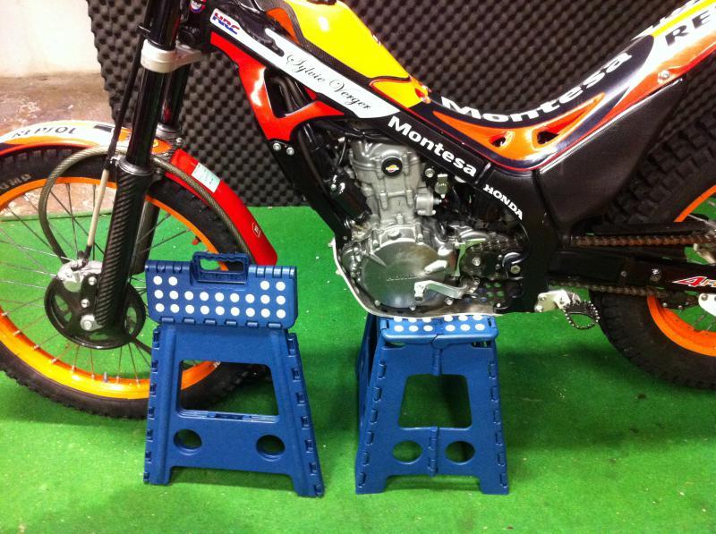 Lève moto pliable 12,90 € chez carrefour 590497IMG0289