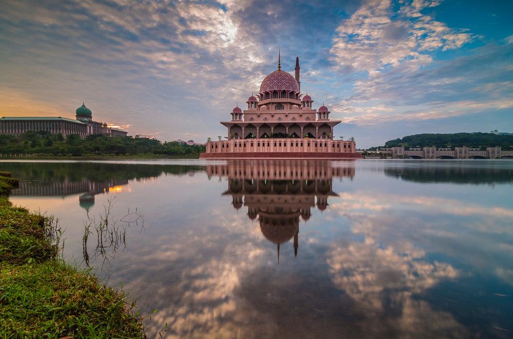 أشهر وأجمل المساجد في ماليزيا  594834160515871580158315761608157815851575157616081578158515751580157516101575
