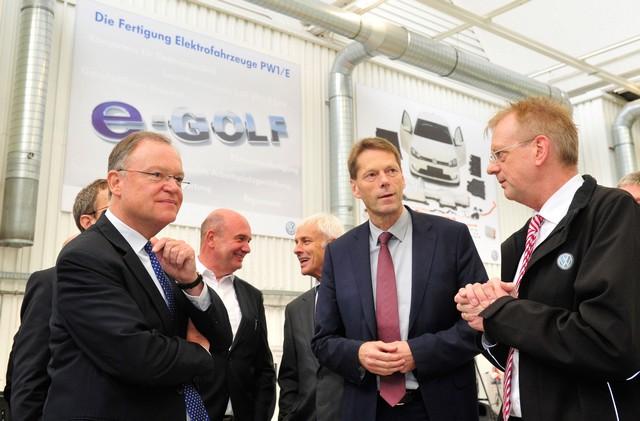 Visite de Stephan Weil, Premier Ministre, à l'usine Volkswagen de Wolfsburg  599093thddb2015al03864large