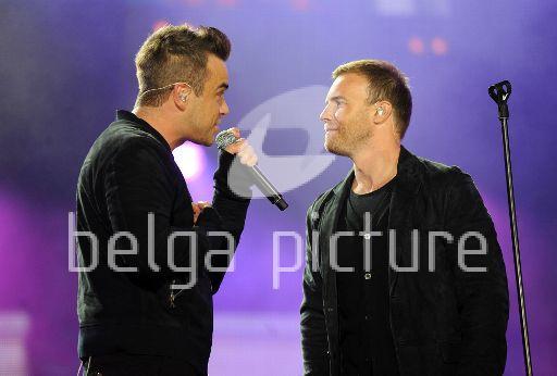Robbie et Gary au concert Heroes 12-09/2010 59928522295318