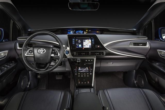 """Toyota se projette dans le futur avec la berline à pile à combustible 'Mirai'"""" 6012722016ToyotaFuelCellVehicle006"""
