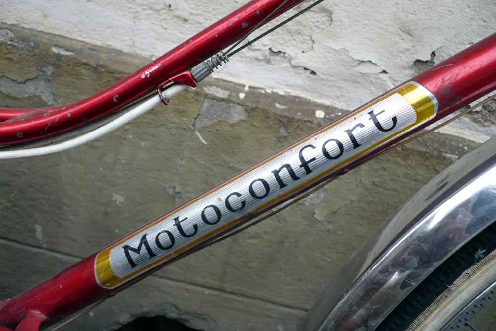 Motoconfort 1974 (rouge) 602878confort005