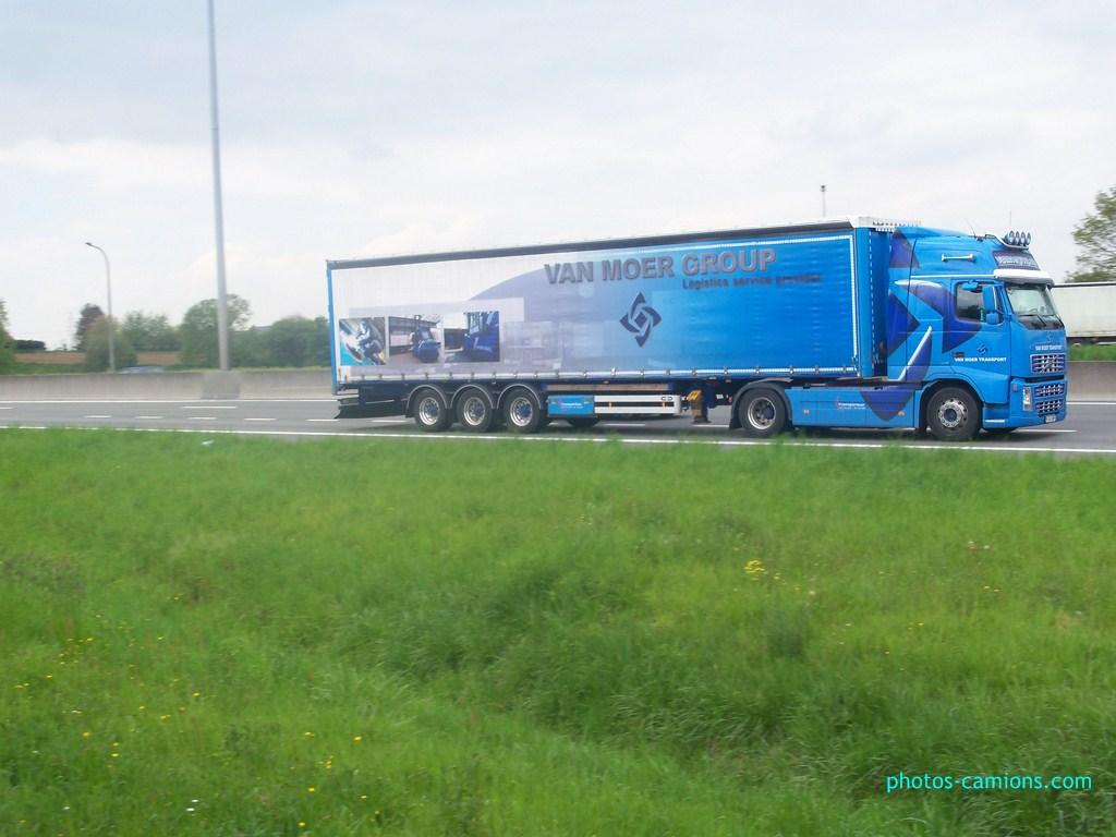 Van Moer Transport  (Zwijndrecht) - Page 2 604872photoscamions7mai2012134Copier