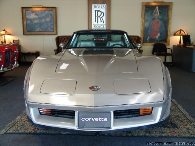 chevrolet corvette 1982 edition collector monogram au 1/8 - Page 2 6074774048952