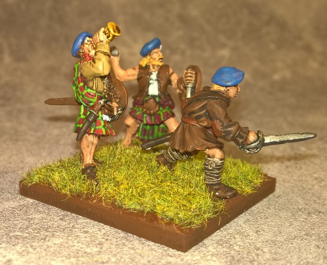 English civil war - highlanders 608826Highlanders8