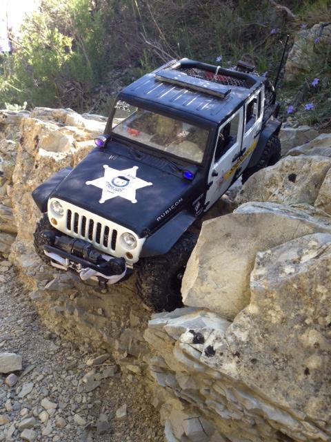 AXIAL SCX10 Jeep JK SHERIFF !! - Page 4 610246jeepjkSHERIFF45