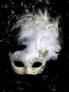 [EVENT St-Valentin 1992] Le bal masqué 628090Masque