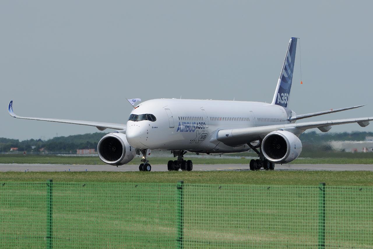[14/06/2013] Aéroport Toulouse-Blagnac (LFBO): 1er Vol de l'Airbus A350 XWB !!! 630879DSC1274