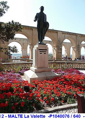 MSC Splendida Du 28 avril au 5 mai 2012 Gêne Barcelone Tunis La valette Taormine Messine Rome 633483P1040076