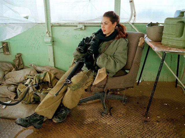 Armée Israélienne 634023israeli_military_girls_640_21