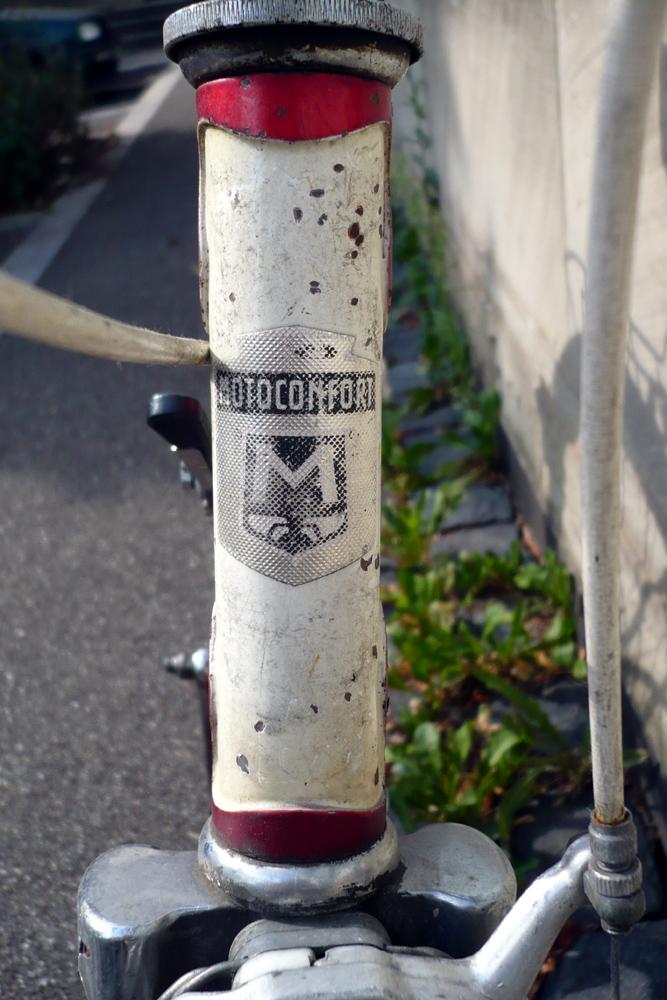 Motoconfort 1974 (rouge) 635175confort003