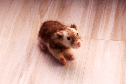 Essai : animaux en laine feutrée  639321ham