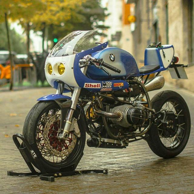 C'est ici qu'on met les bien molles....BMW Café Racer - Page 3 6444351519352815285906171582171577519871706255569n