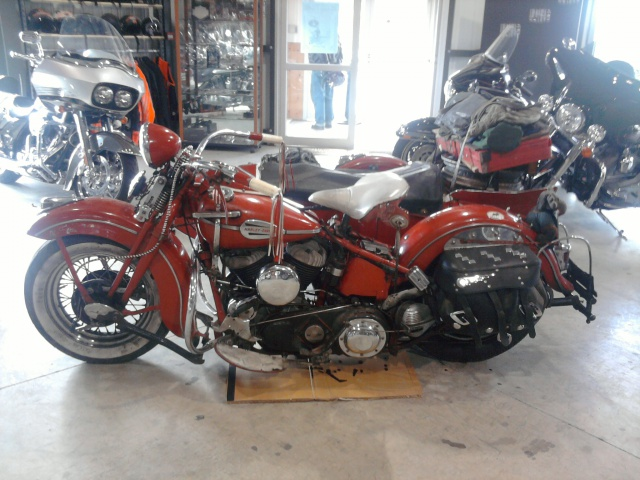 Les vieilles Harley....(ante 84)..... - Page 37 647045WL2side