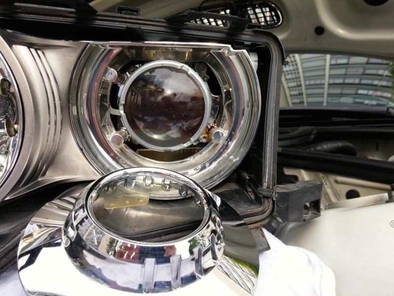 [TUTO E46] Démontage et nettoyage des phares xénon 65178620141010161011
