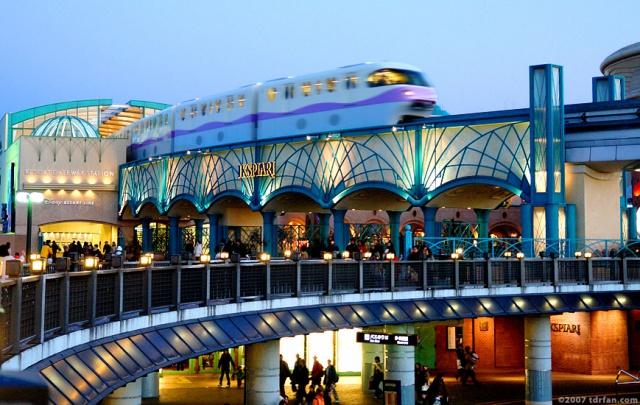[Tokyo Disney Resort] Le Resort en général - le coin des petites infos - Page 4 652197Ikspiari4