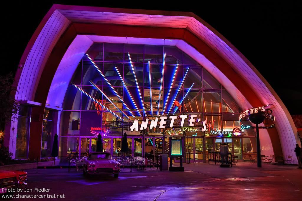 Annette's Diner (Disney Village) - Page 7 6525022112543613636157070804271512545696963925807o