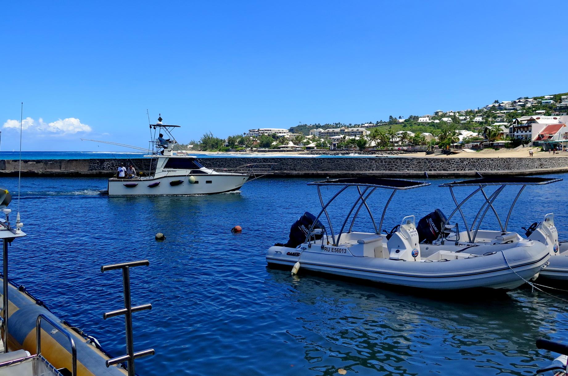 [Vie des ports] Les ports de la Réunion 661140marchsaintpaulstgilles137
