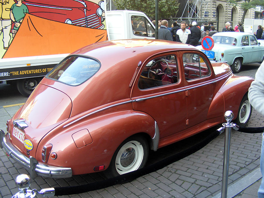 """Bruxelles côté BD  """"Tintin en automobile"""" - Page 2 662957DSCF6248"""
