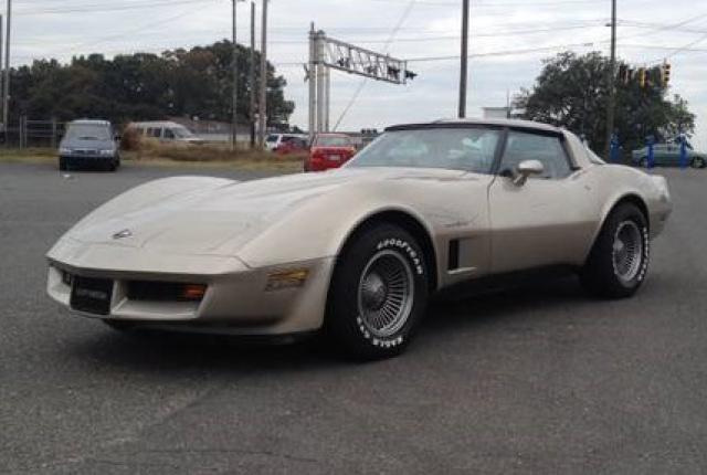 chevrolet corvette 1982 edition collector monogram au 1/8 - Page 2 6661811982chevroletcorvette100979838708366487