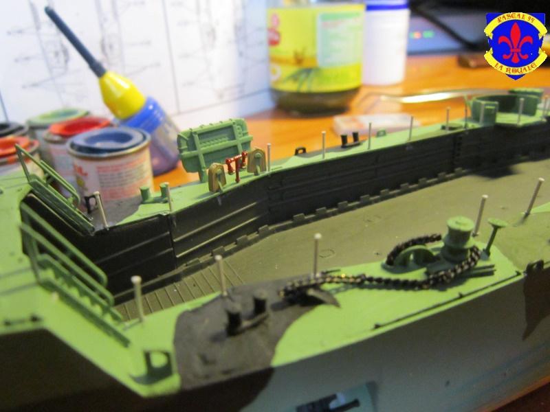 U.S. Navy Landing Ship Médium (Early) au 1/144 de Revell par Pascal 94 - Page 10 666246IMG42761