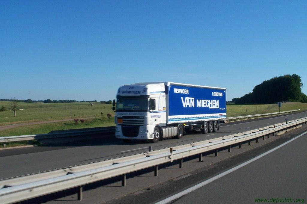 Van Mieghem (Saintes) 666714photoscamions25V11127Copier
