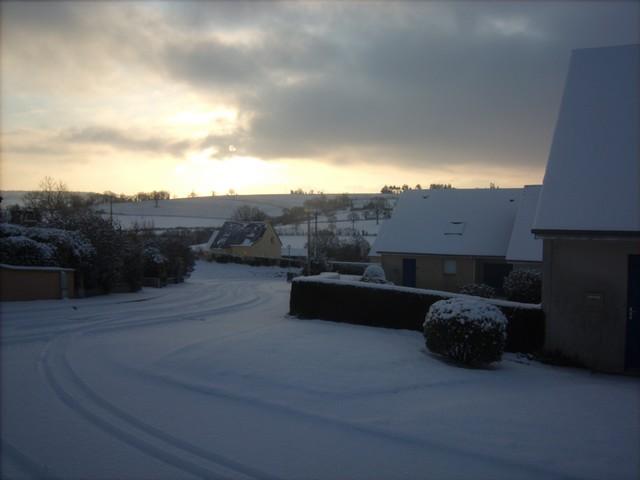 Mercredi 06 janvier 2010 - (Neige à Pont Farcy - 7 à 10 cm) 668243Jan06325