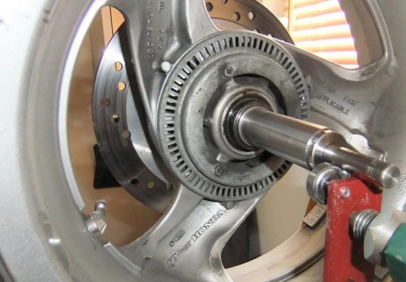 Manchon de centrage pour équilibrage de la roue AR 670348DSCF6781