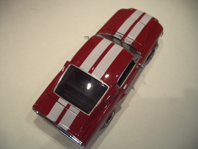 mustang shelby 350 GT 1967  au 1/25 de chez AMT/ERTL  671380IMGP1047