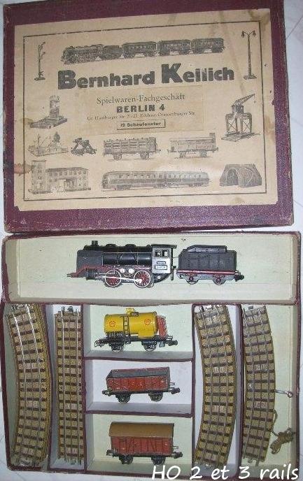 Coffrets Märklin 1936 - 1968 (rouges, noirs, verts ou bleus) 672575MarklincoffretR725R