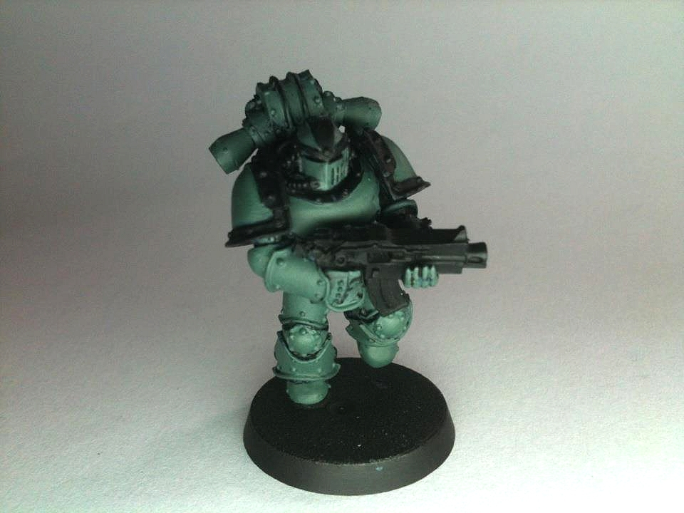 Warhammer 40K (figurines diverses trouvées sur internet! ) - Page 18 673138sonofhorus