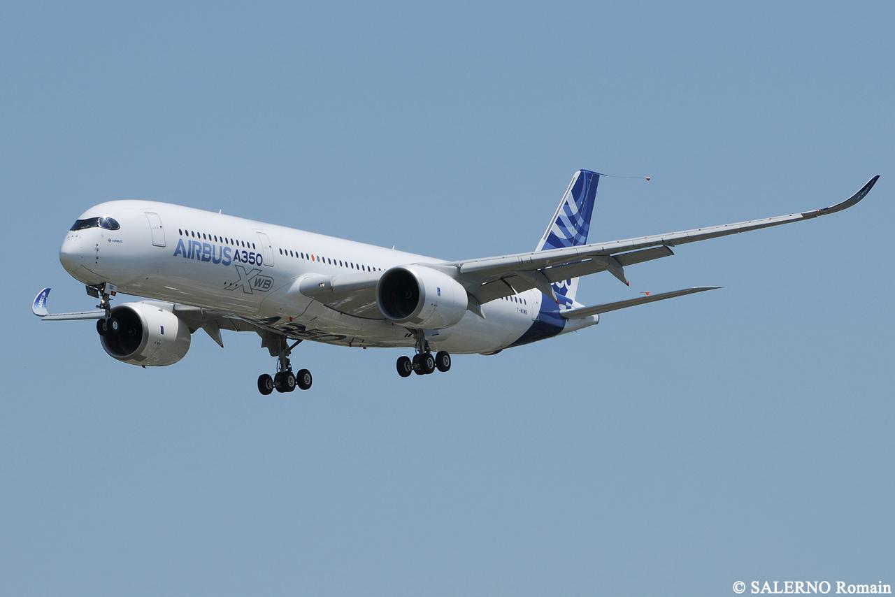 [14/06/2013] Aéroport Toulouse-Blagnac (LFBO): 1er Vol de l'Airbus A350 XWB !!! 674854DSC1233