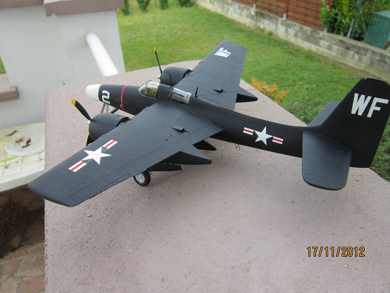 F-7F 3N Tigercat 1/48 de Italeri (ajout de photos avec le soleil) 675782IMG0764800x600
