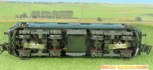 Machines électriques suisses par réseau puis par référence Märklin 676625MarklinRe800IMG0859