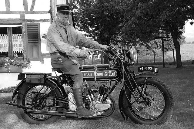 Moto René Gillet 750 type G 1929 - Page 7 676850DSC9506
