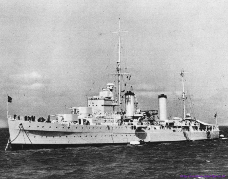 ROYAL NAVY CROISEURS LEGERS CLASSE ARETHUSA 678705HMSGalateagrandephoto