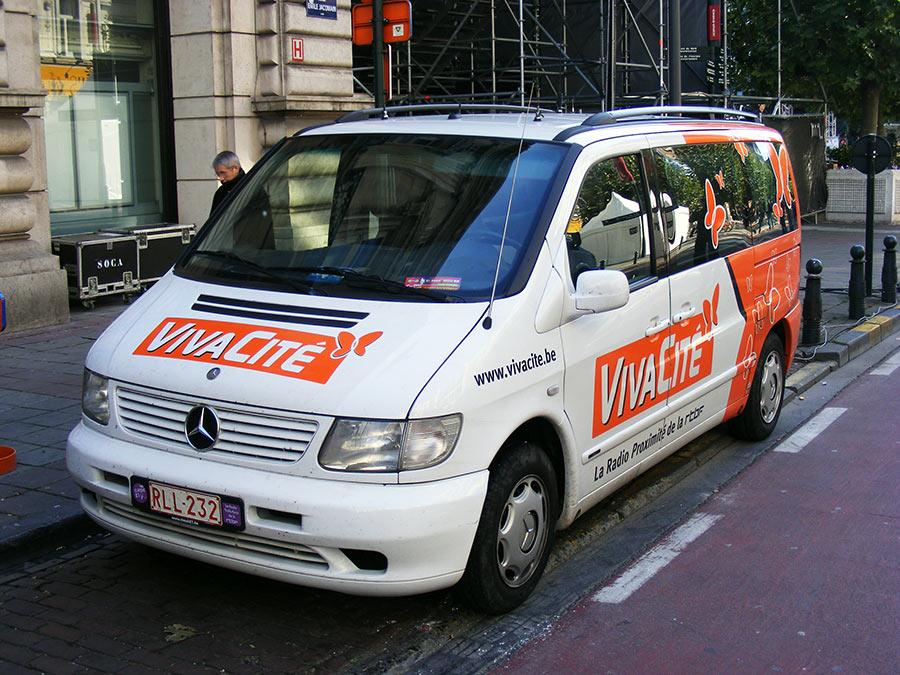 """Bruxelles côté BD  """"Tintin en automobile"""" - Page 3 679812DSCF6099"""