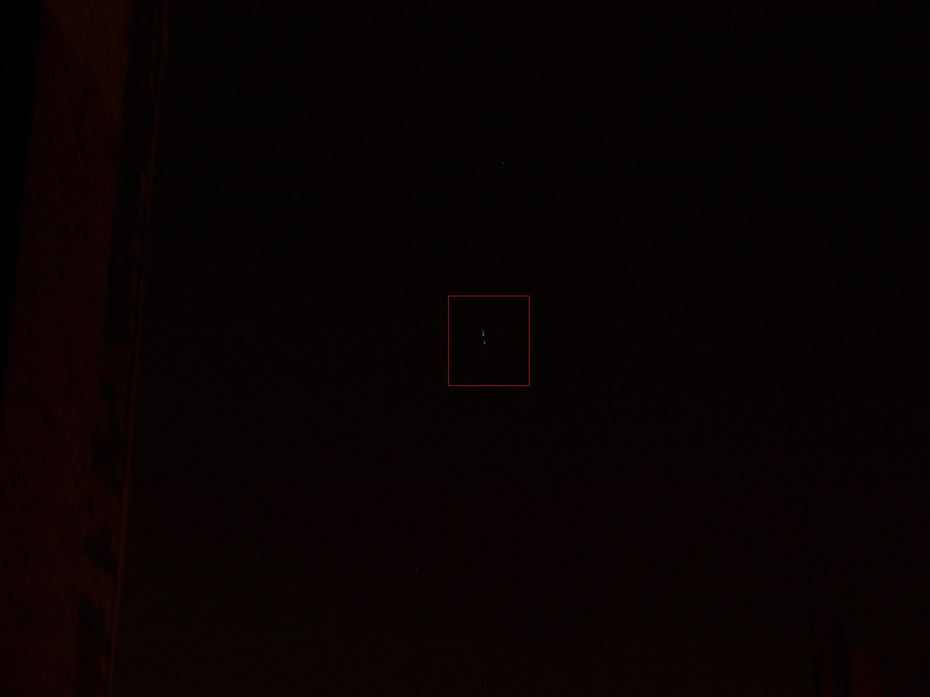 2012: le 31/01 à 20h ~ 21h - Lumière étrange dans le ciel  - Le Havre, centre ville. (76)  68372836xf