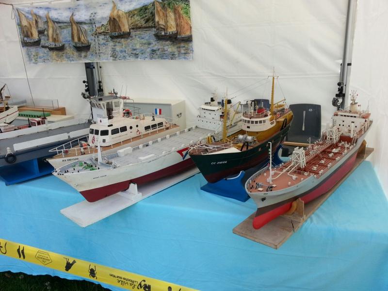 démo de maquettes navigantes sur la place Napoléon à la Roche S/Yon le 31 Mai et le 1er Juin 68416620140531133911resized