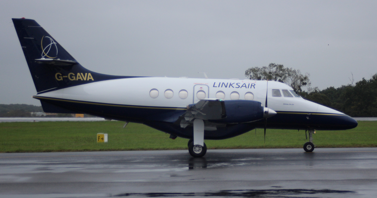 [16/10/2013] Jetstream 31 (G-GAVA) LinkSair 686737IMG4764