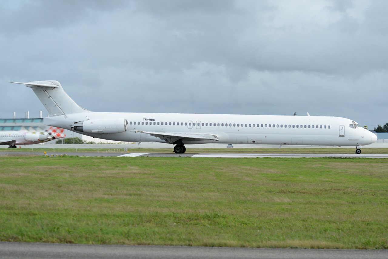 [02/11/2013] McDonnell Douglas MD-83 (YR-HBD) Medallion Air 688136DSC1630