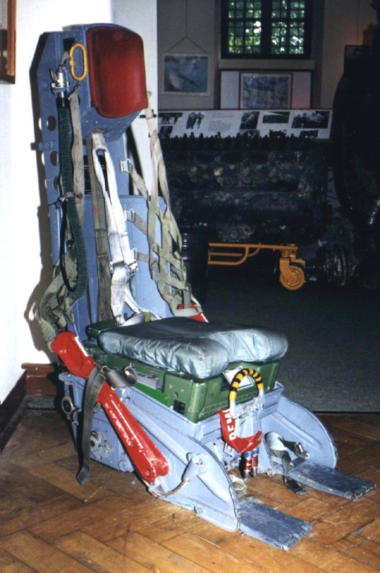 DUO: F-104N (NASA) + F-104G (BAF) Hazegawa 1/48  689005C2_1