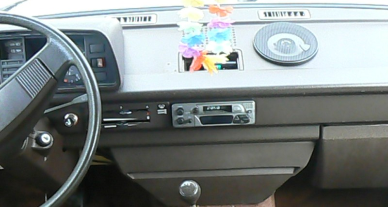 VW T3 Westfalia 1982, ensemble Clarion, montage et installation mise à jour du 19/08 689247t3exautordioconduite