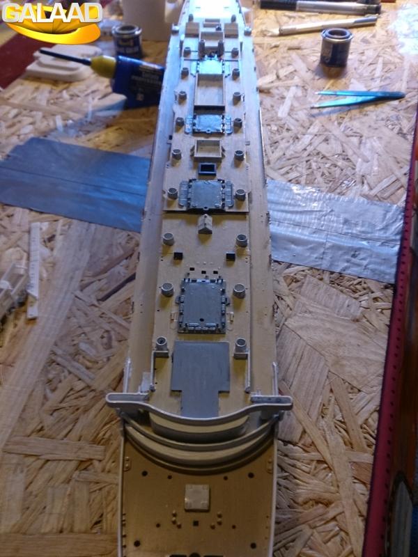 R.M.S Lusitania (Cunard)    1/350 de chez Mr HOBBY 690344DSC0024