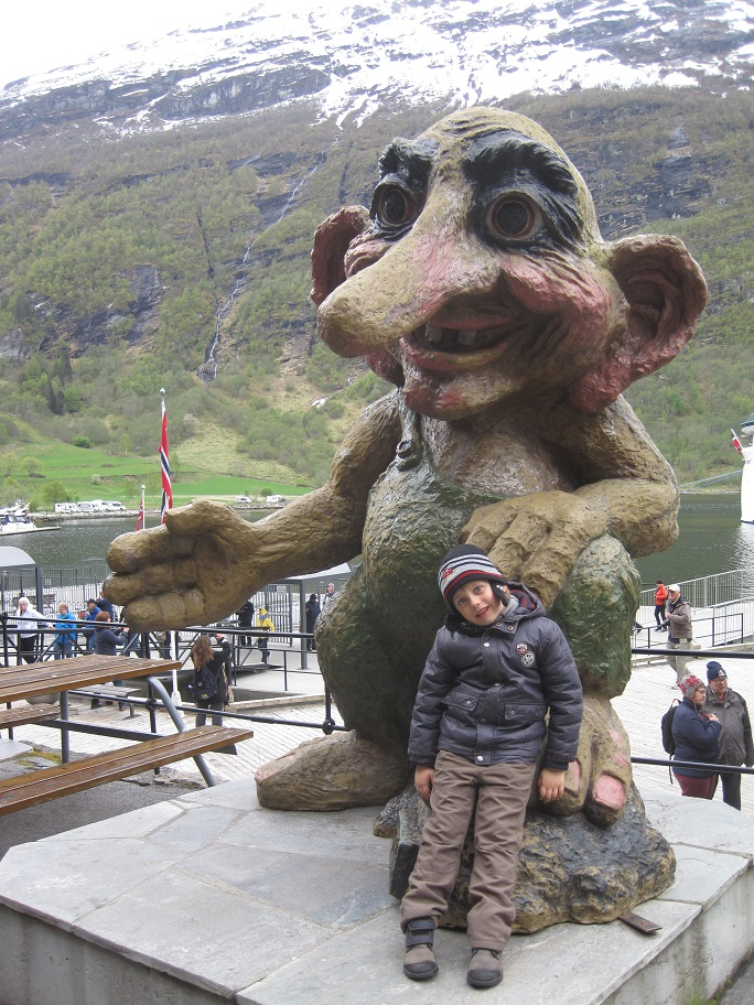 'The happiest place on Earth' en famille - octobre 2014 & Norwegian fjords - mai 2015 - Page 7 691747IMG3885