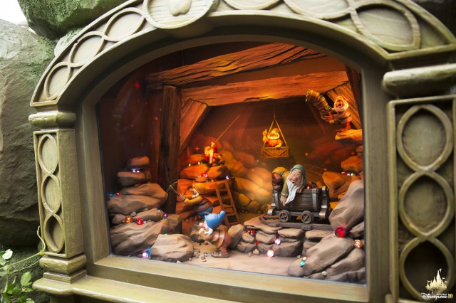 [Hong Kong Disneyland] Fairy Tale Forest (2015) - Page 2 692283w32