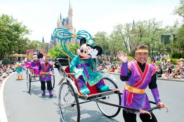 [Tokyo Disney Resort] Programme complet du divertissement à Tokyo Disneyland et Tokyo DisneySea du 15 avril 2018 au 25 mars 2019. 693182td1