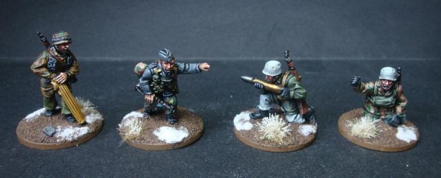 Armée late-war : Fallschirmjägers et autres troupes dans les Ardennes... - Page 2 693657DSC06942